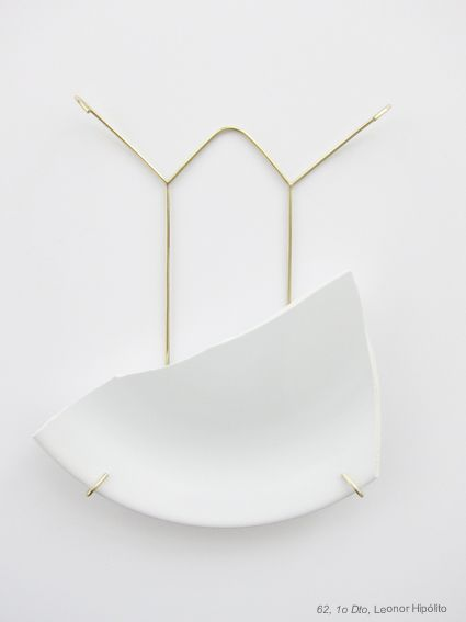 Contemporary jewellery piece by leonor hipolito for Minimalist art pieces