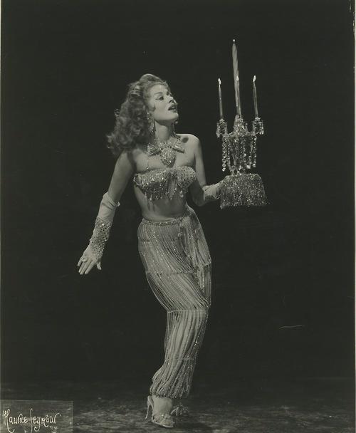 Naja KaramuruDance Dame, Princesses Naja, Vintage Burlesque, Costumes Inspiration, Burlesque Esque, Burlesque Bombshell, Burlesque Photos, Karamuru Naja, Naja Karamuru