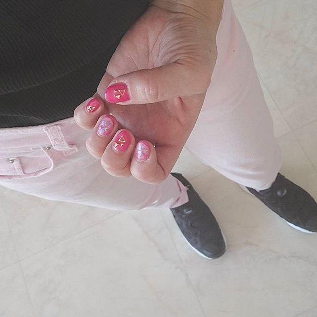 #きのこ p!nk💗×black  tops#uniqlo@uniqlo_ginza pants#dholic@dholic_official  shoes#reebok  #code#outfit#ootd#fashion#style#mamagirl#hotmamatown#saita#locari#4yuuu#ponte_fashion#mineby3mootd_sneakers #ootd_kob#nail
