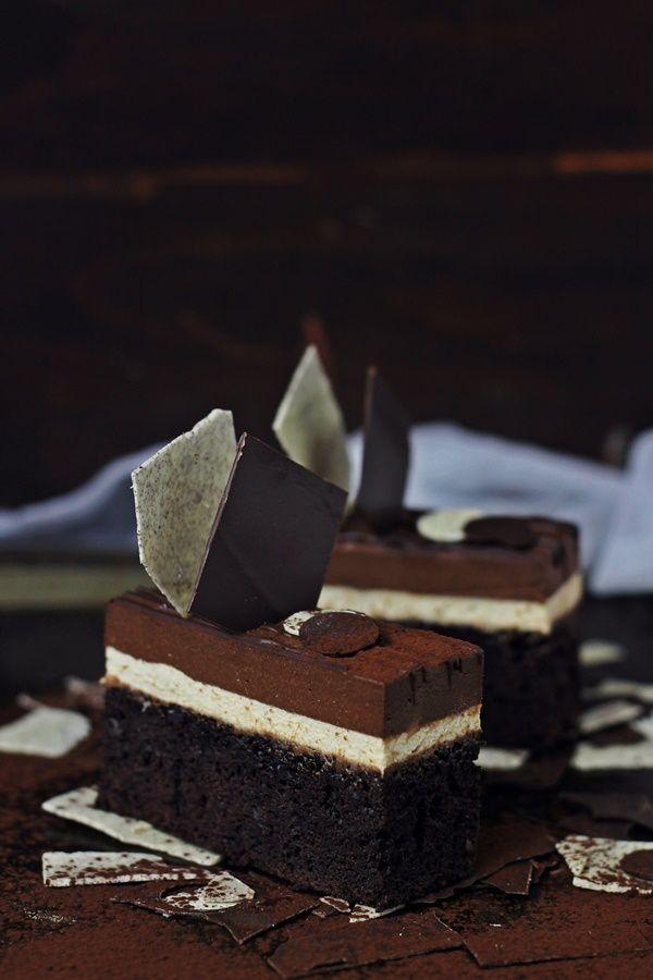 Entremet cu ciocolata si cafea-Devil's food cake cu mousse de cafea si cremeux de ciocolata Pasiune pentru bucatarie.ro Reteta pas cu pas