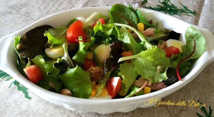 Sgombro+in+insalata+mista+ed+uova+di+quaglia