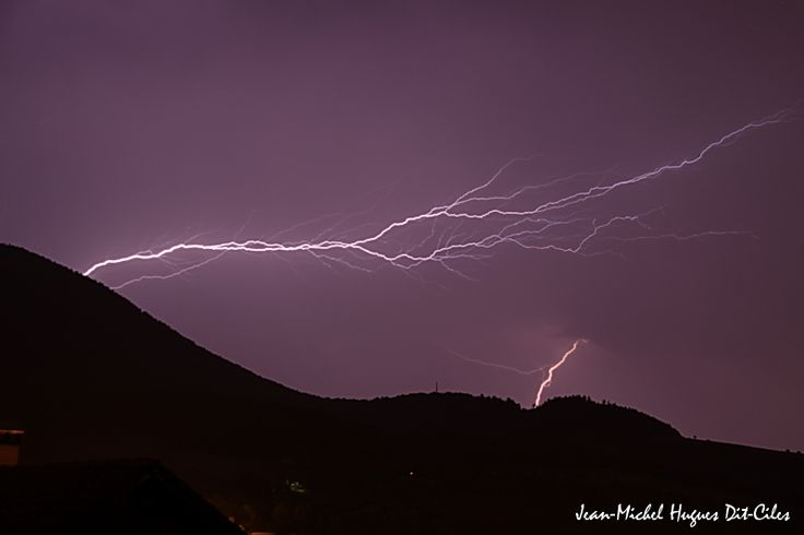 Impact de foudre sur le pays de Gex et provenant du Jura