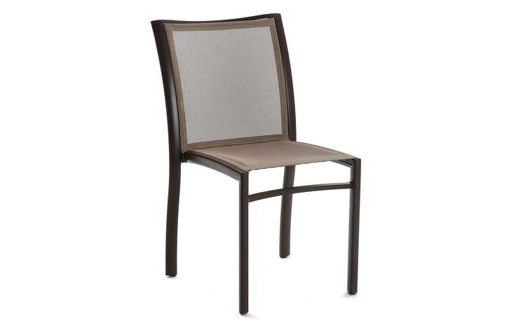 Premiere Stuhl -  Möbel / Gartenmöbel / Gartensitzmöbel -  Stühle für den Outdoor-Bereich sollten natürlich immer praktisch sein, am besten auch robust, widerstandsfähig und Wetterbeständig und auf jeden Fall platzsparend – perfekt wenn sie sich sogar stapeln lassen. Was man aber auch nicht vernachlässigen darf ist Chic, Eleganz, Modernität und Qualität. Ganz schön viele...