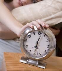 Le statistiche riferiscono che l'uomo medio a letto dura da 1,5 a 7 minuti, ma secondo uno studio recente il 45% dei maschi raggiunge l'orgasmo in due minuti o meno, lasciando insoddisfatta la partner. Ma non disperate: ecco alcuni consigli per durare di più a letto e aumentare il vigore sessuale! http://www.wellvit.it/blog/7-modi-per-durare-di-piu-a-letto/