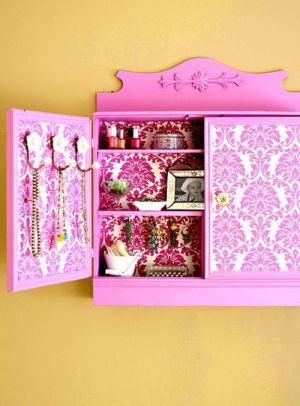 Colorful DIY Jewelry Storage Cabinet by aileen