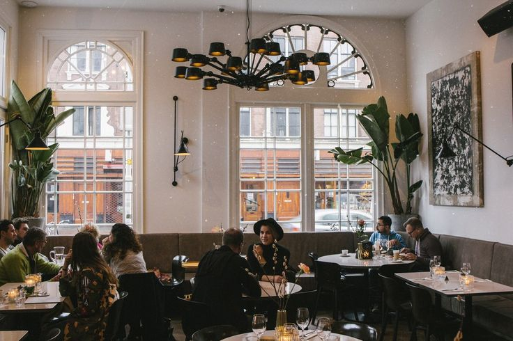 Morgan & Mees is a brand new hotel and restaurant situated in a completely renovated historical building in Amsterdam West. With an elegant timeless look and an eye for detail Morgan & Mees is a stylised hotel for international travellers and locals. A home away from home.