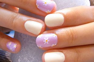 Tiny Flowers | Hokuri Nails Are The Most Kawaii Form Of Nail Art Ever