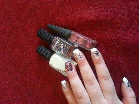 CONTEST: WE LOVE NAIL ART  Nail art by Elena Cerbera Rizzi https://www.facebook.com/media/set/?set=a.382309191881334.1073741837.102277133217876=3 #nails #nailart #nailpolish #naillacquer #glam #glitter #cool #girls #fashion #minycosmetics