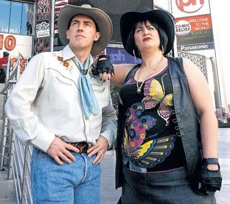 """Gavin & Stacey"" - Rob Brydon (Uncle Bryn) and Ruth Jones (Nessa) : Islands in the Stream"