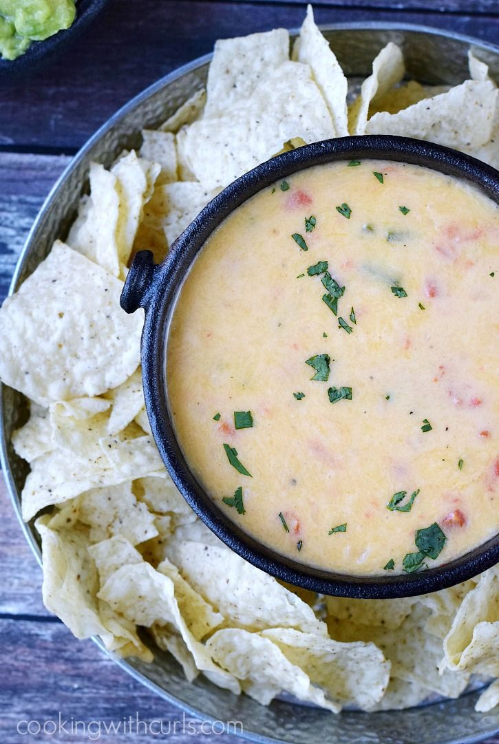 Queso Blanco is the perfect dip for your Cinco de Mayo fiestas | cookingwithcurls.com
