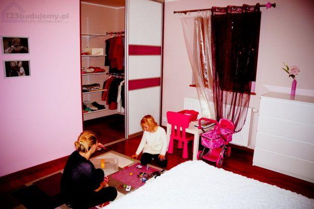 Zabudowa garderoby - szafa wnękowa. Aranżacja garderoby, inspiracje123 Budujemy budowa domu