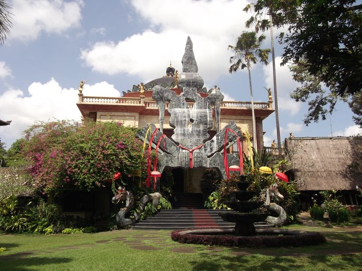 Blanco Renaissance #Museum is an unofficial #landmark in Ubud, the house and studio of the late flamboyant Philippine-born maestro, Don Antonio Blanco. Located on a #hilltop overlooking the lush valley of Campuhan, it houses #paintings, collages and illustrated poetry. #perfectdestinations #beautiful #travel #ttot