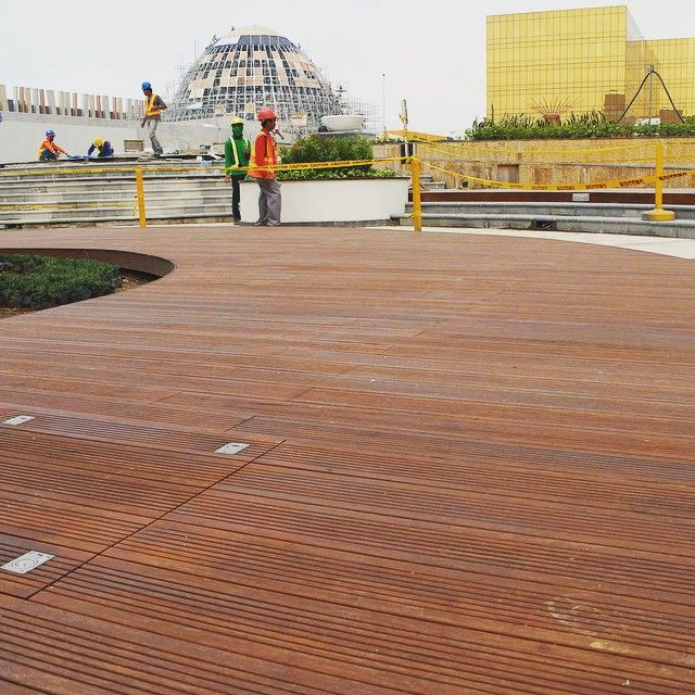 Bamboo decking at manila's casino. Area 2800m2. #instamessage #manufactures #floorcompany #flooringcompany #design #floordesign #cheapflooring #flooringprice #flooringexporter #engineeredwoodflooring #engineeredwood #solidhardwood #solid #hardwood #frenchoak #oiledfloor  #decking #outdoor #outdoordecking #outdoorfloor