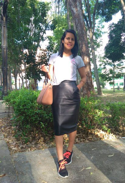 Look by @thuy_mairinki with #sneakers #primark #skirts #reebok #tshirts #parches #leatherskirts #ponteparches.