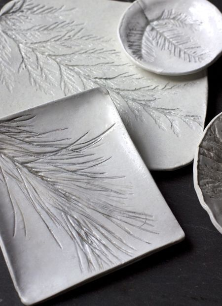 Evergreen Imprinted Clay Dishes - Thank you to The Graphics Fairy for originally sharing this idea.