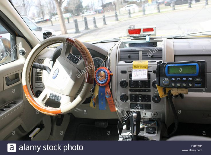 Download this stock image: Inside New York taxi - D81TMP from Alamy's library of millions of high resolution stock photos, illustrations and vectors.