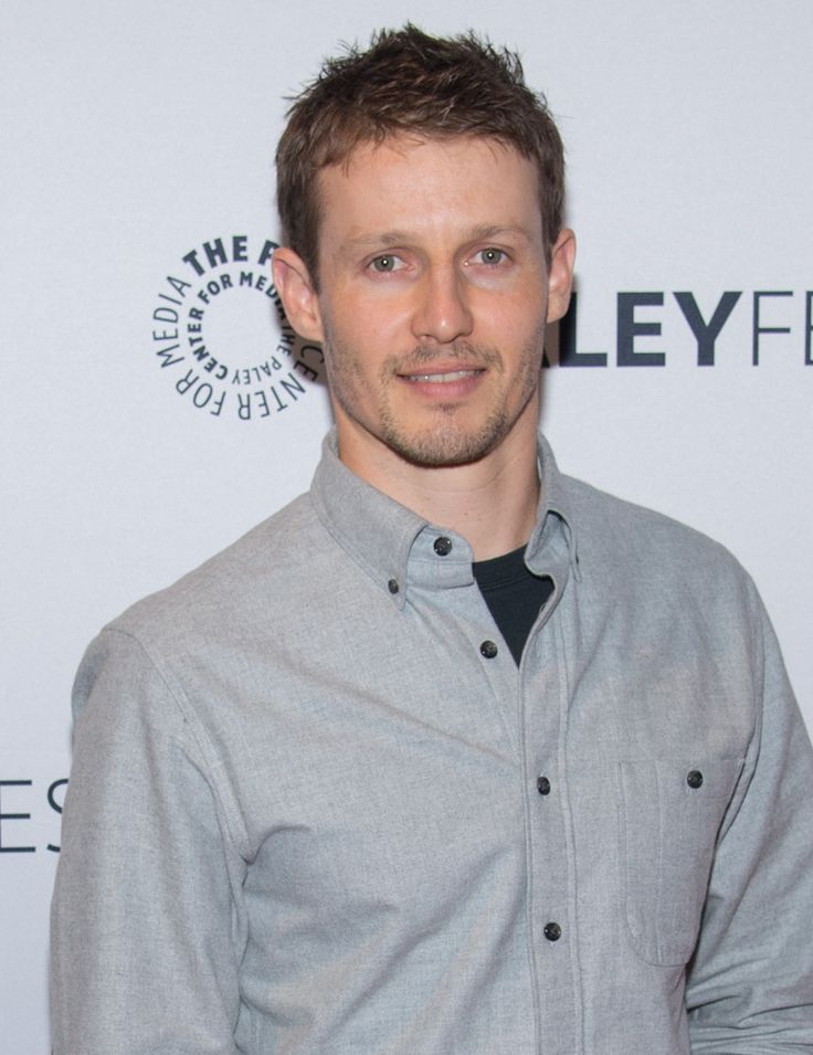Browse 102 high-quality photos of Will Estes in this socially oriented mega-slideshow. Updated: October 17, 2014.