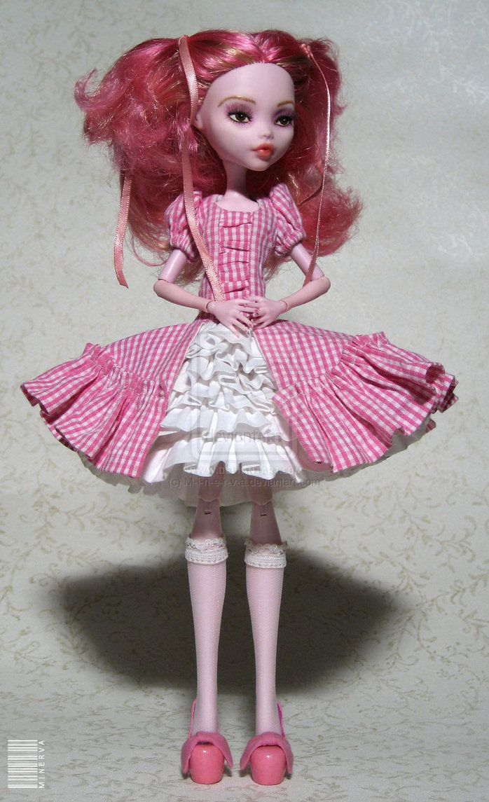 Monster High Draculaura OOAK by ~M-i-n-e-r-v-a on deviantART