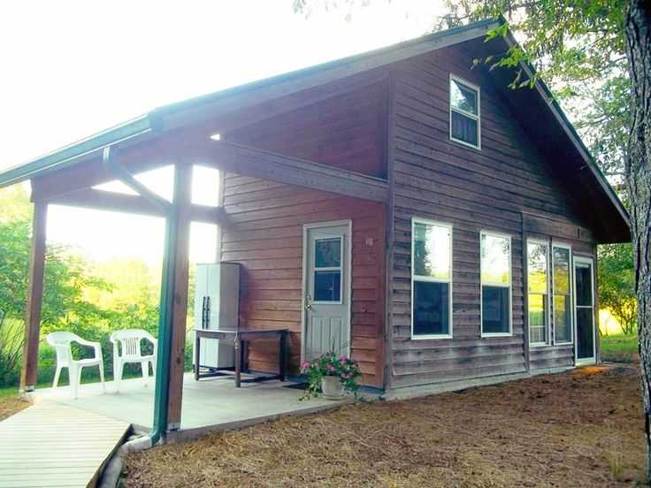 Melleray Farmstead: An tiny off-grid homestead for a family of four in Pittsboro, North Carolina.