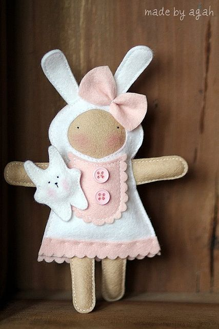 Jasna The Bunny Girl by made by agah, via Flickr - felt