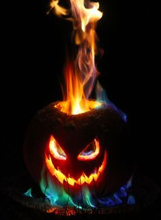 Tutorial for a jack o lantern that put off 2-3 foot tall flames that last for hours. Not sure how safe this is, super wicked though.