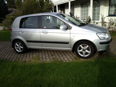 Hyundai Getz 1, 3 GLS Mileage 26 000 km 2004 body 5 door hatchback range 1.3 GLS Fee Category Saloon 1.3L displacement gasoline fuel Gearbox Manual FWD silver 5 seats number of doors 5.