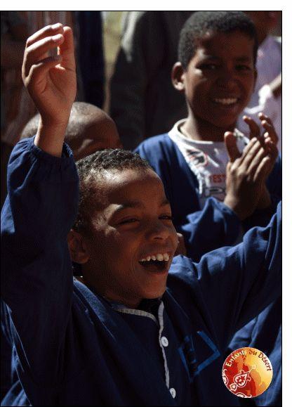 Carte Petit garçon qui danse pour envoyer par La Poste, sur Merci-Facteur !