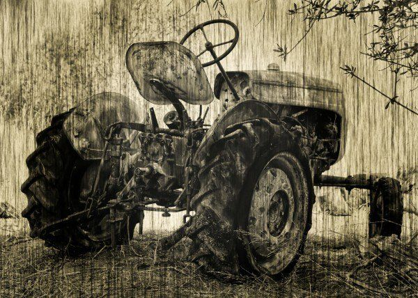 Forgotten Time Vintage image of an abandoned tractor in Andalucia Sou  Forgotten Time Vintage image of an abandoned tractor in Andalucia Sou Gallery quality print on thick 45cm / 32cm metal plate. Each Displate print verified by the Production Master. Signature and hologram added to the back of each plate for added authenticity & collectors value. Magnetic mounting system included.  EUR 46.00  Meer informatie