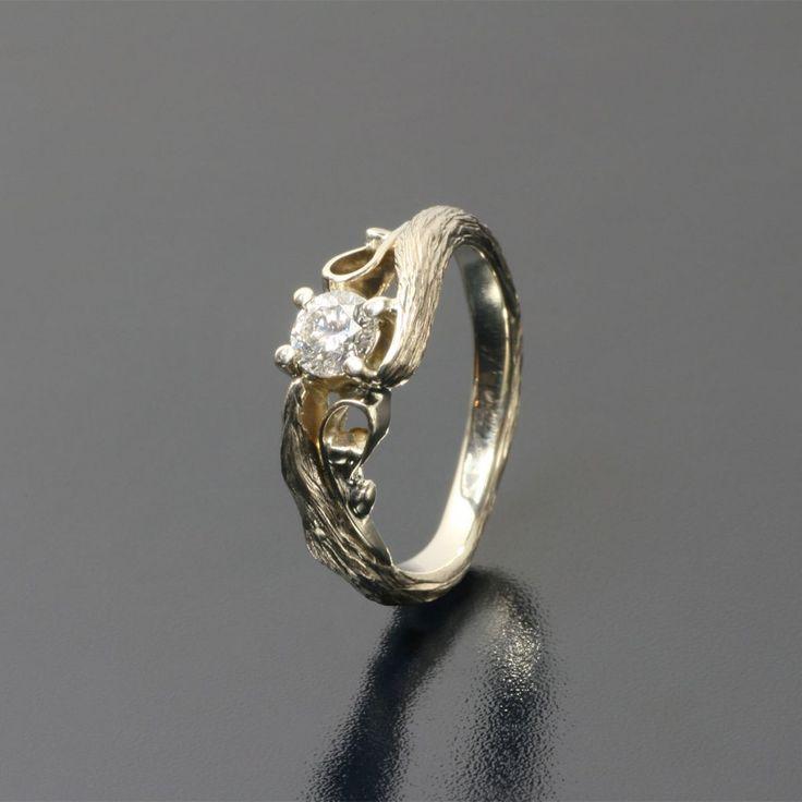 So raw, so beautiful! White gold ring with diamond (fi 4,2 mm)  Piękny pierścionek z białego złota inspirowany naturą  Inne Obrączki