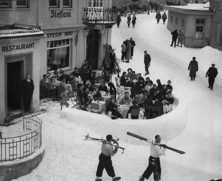 Restaurant and Hotel Steffani, St Moritz (CH) 1935 (by Keystone/Getty Images)