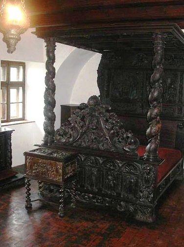 Best 20+ Gothic Bed Frame Ideas On Pinterest | Gothic Bed, Gothic Bedroom  And Modern Gothic