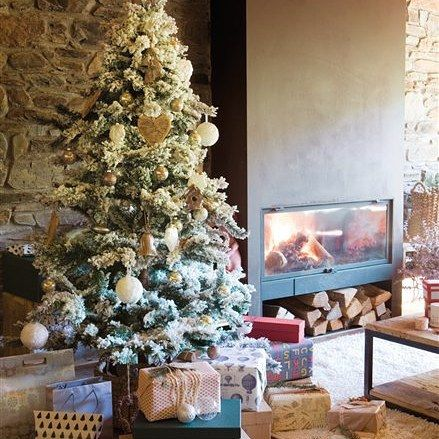 Feliz dia de REYES..!!  Que seais muy feluces tod@s!! #mapetiteprincesse #christmas #navidad #diadereyes #diamagico #roscon #blogmodainfantil #fashionblogger #fashionkids #instamoment #instalove #kidsfashionblog