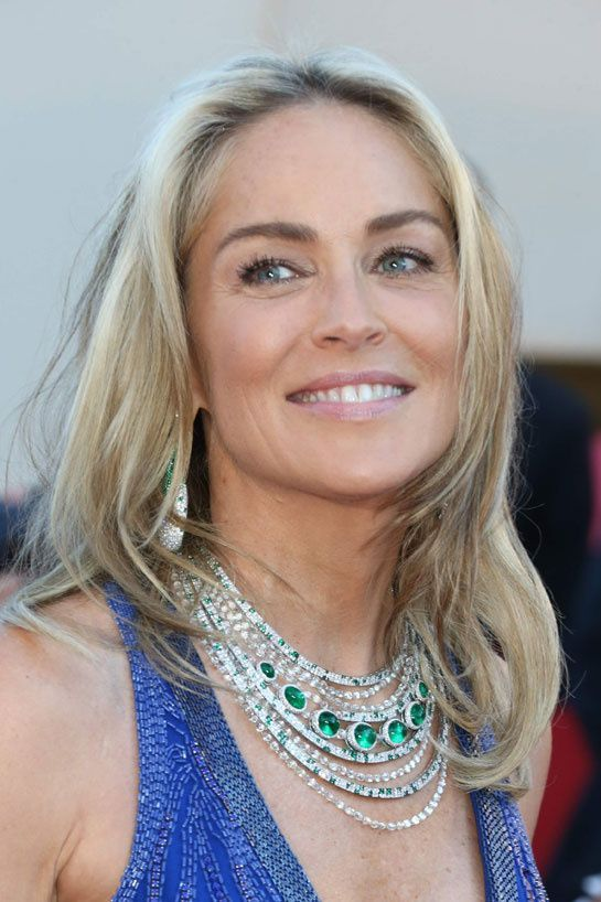 Sharon Stone corte cabelo medio