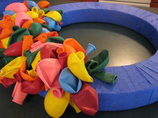 DIY Party Balloon Wreath tutorial
