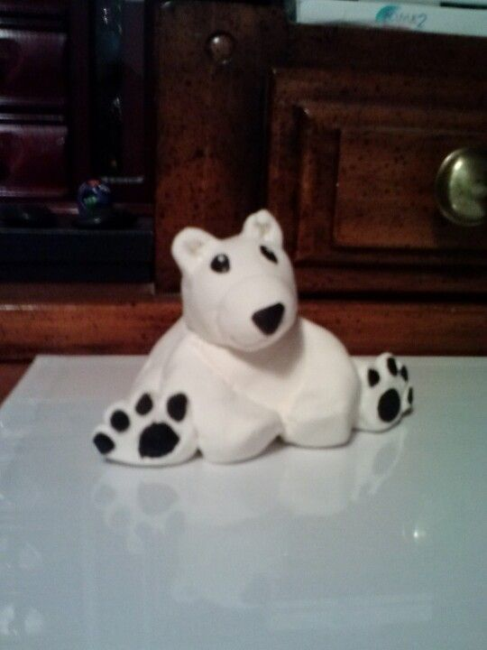 Classroom Winter Ideas ~ Polar bear made out of crayola s model magic
