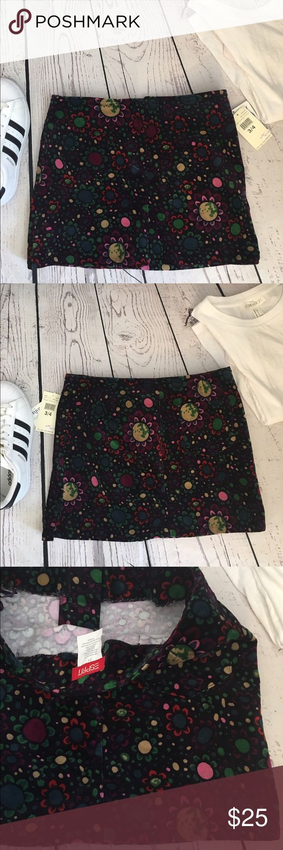 NWT velvet floral mini skirt New with tags. %98 cotton %2 Lycra. It's stretchy so could fit sizes 4-5-6 perfectly. Brand esprit from asos. Firm price ASOS Skirts Mini