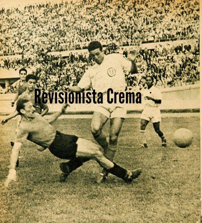 Amistoso Colo Colo 0 - #Universitario 3 (08/12/1945). Estadio Nacional de Santiago. 2do partido de gira de la U a Chile...