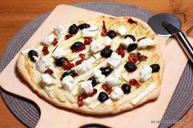 Schöner Tag noch! Food-Blog mit leckeren Rezepten für jeden Tag: Spargelpizza mit getrockneten Tomaten, Ziegenfrischkäse und Oliven