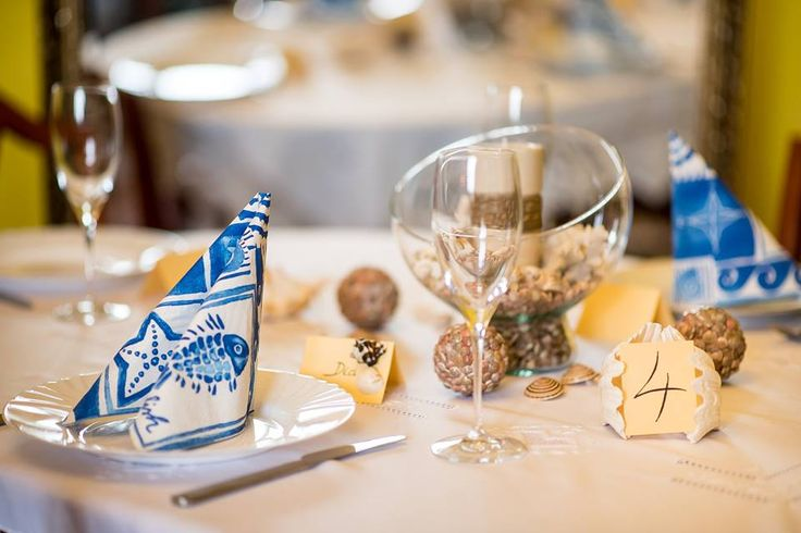 Egy hangulatos, tengerparti stílusú esküvőt szervezett meg a Wladek Creative csapata Lucának és Zolinak.