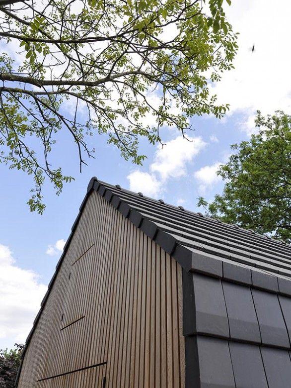Strakke lijnen kenmerken dit bijgebouw in Overasselt