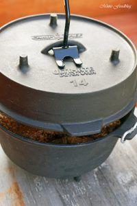 {Werbung} Texas BBQ Brisket aus dem Dutch Oven mit smoky Baked Beans ~ rustikales Outdoor Cooking - Mimis Foodblog