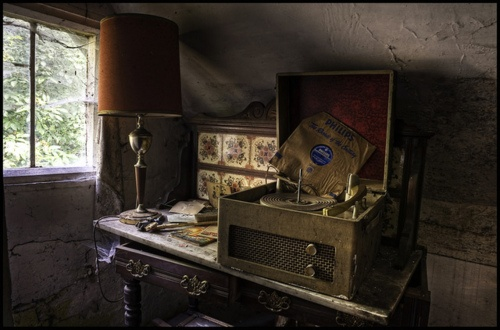 fivefivefives:    Stolen memories Explore Front Page #10 by odin's_raven on Flickr.Beautiful Breakdown, Memories Exploration, Exploration Front, Beautiful Buildings, Odin S Ravens, Stolen Memories, Abandoned Beautiful, Beautiful Decay, Abandoned Places
