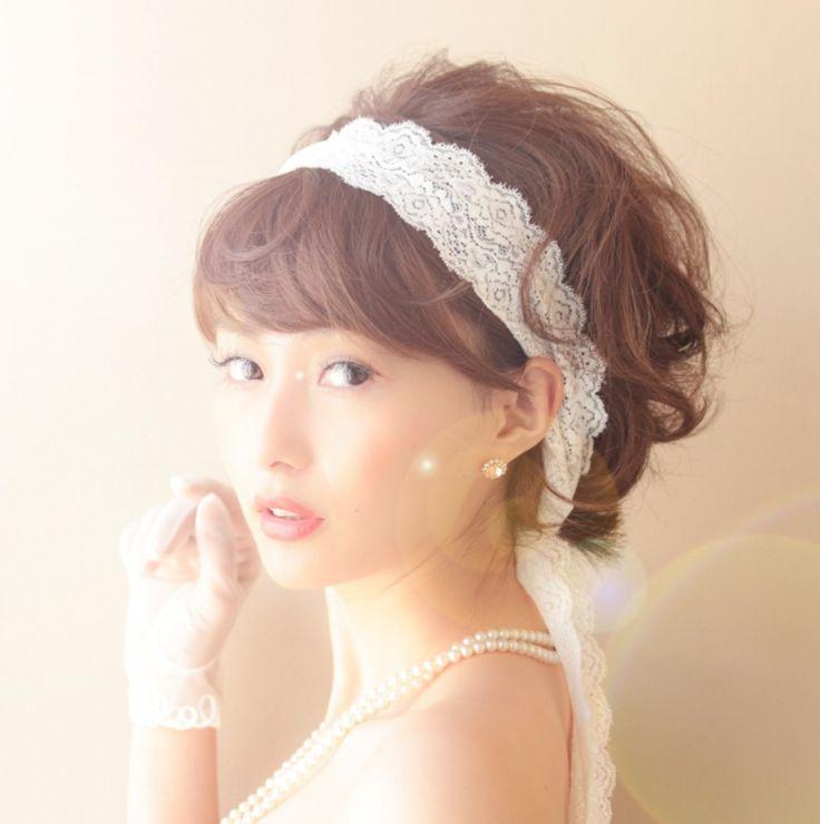レースのヘアバンドリボンが可愛い♡ 〜エンパイアドレスに似合う髪型 ボブ・ミディアム・ショート参考〜