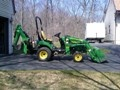 John Deere 2305 w/Loader-BackHoe