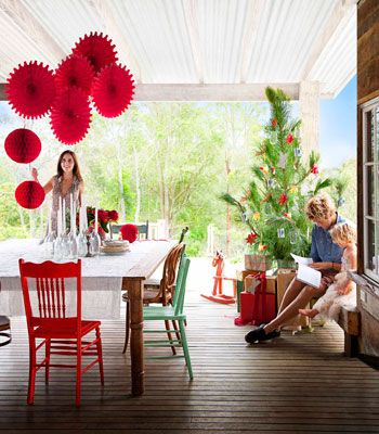 Love the hanging vibrant red paper lanterns as a festive center piece.