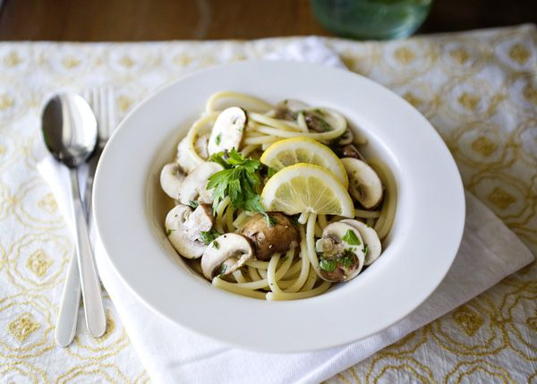 Linguine With Lemon, Garlic, And Thyme Mushrooms Recipe — Dishmaps