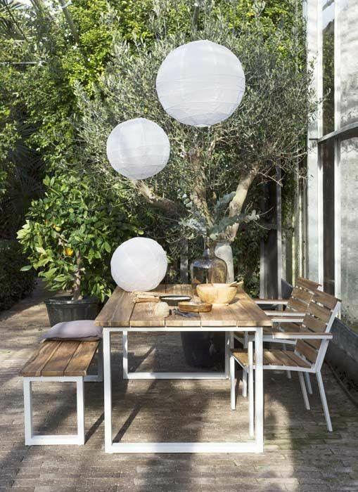 Des suspensions en papier pour votre terrasse