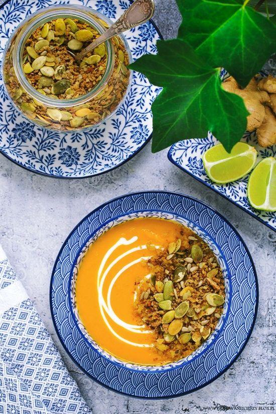 Carrot soup / Zupa krem z marchwi z chrupiącą posypką