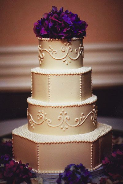 pretty wedding cake|Instead of making your cake pop by adding vibrant colors, add visual interest by choosing offbeat shapes for a white or ivory cake. This strikes the perfect balance between traditional and modern. You can choose a different shape for each tier, make your top tier a unique focal point, or use traditional and modern shapes on alternating tiers.
