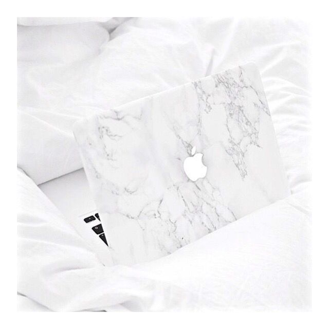 Marble MacBook cover http://thefashionablyfit.co.uk/